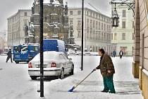 Úklid sněhu na Horním náměstí
