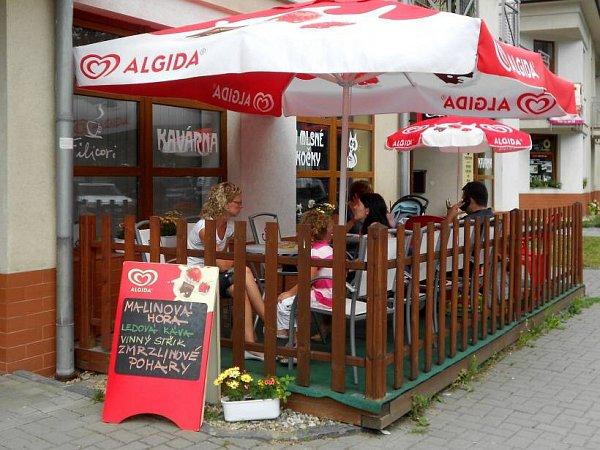 Kavárna UMlsné kočky, Hranice