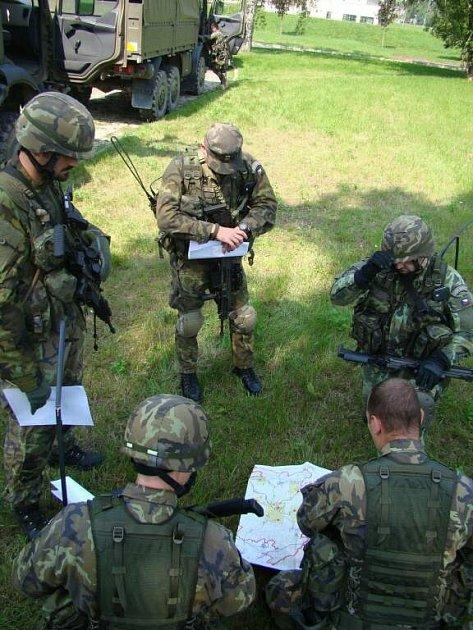 Poslední výcvik přáslavických vojáků před misí vAfghanistánu