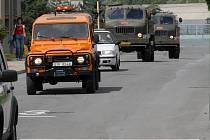 Ve středu 27. června ve 14.40 opustila kolona vozů záchrannou základnu a zamířila do Nořína, kde veterináři potvrdili další výskyt viru H5N1.