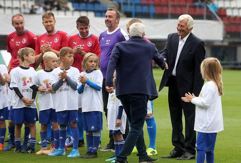Karel Brückner s Petrem Uličným na Zápase století v září 2019 na Andrově stadionu v Olomouci