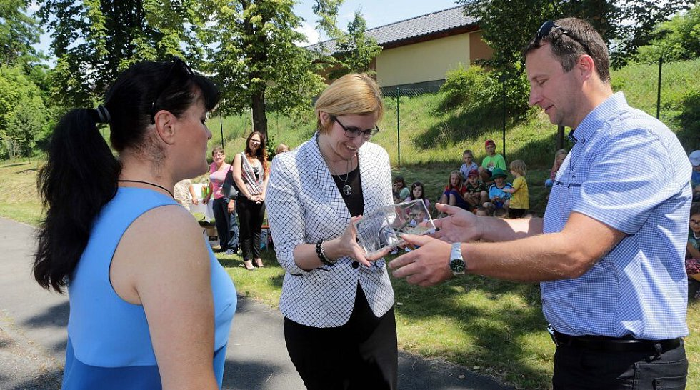Otevření hřiště v Bystročicích se zúčastnila i ministryně pro místní rozvoj Karla Šlechtová.