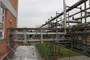 Laboratoře se speciálním zařízením, výrobní provoz a také část venkovních prostor šesti hektarového areálu olomoucké chemicko-farmaceutické společnosti Farmak si mohla v sobotu od 9 do 12 hodin přijít prohlédnout veřejnost.