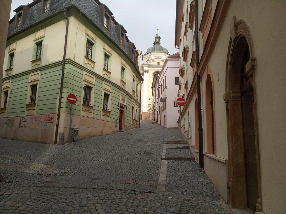 Filmová místa v Olomouci. Pohled na kostel sv. Michaela v Olomouci
