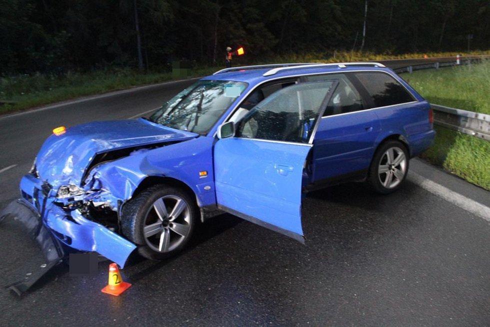 Čelní střet dvou aut u Šternberka, 13. 6. 2019