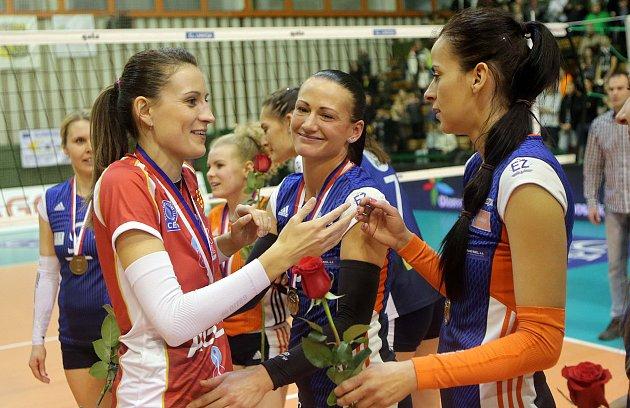 Veronika Tinklová (vlevo)