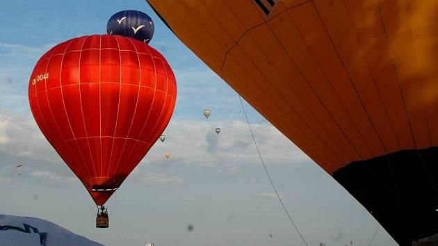 Balony nad Bouzovem