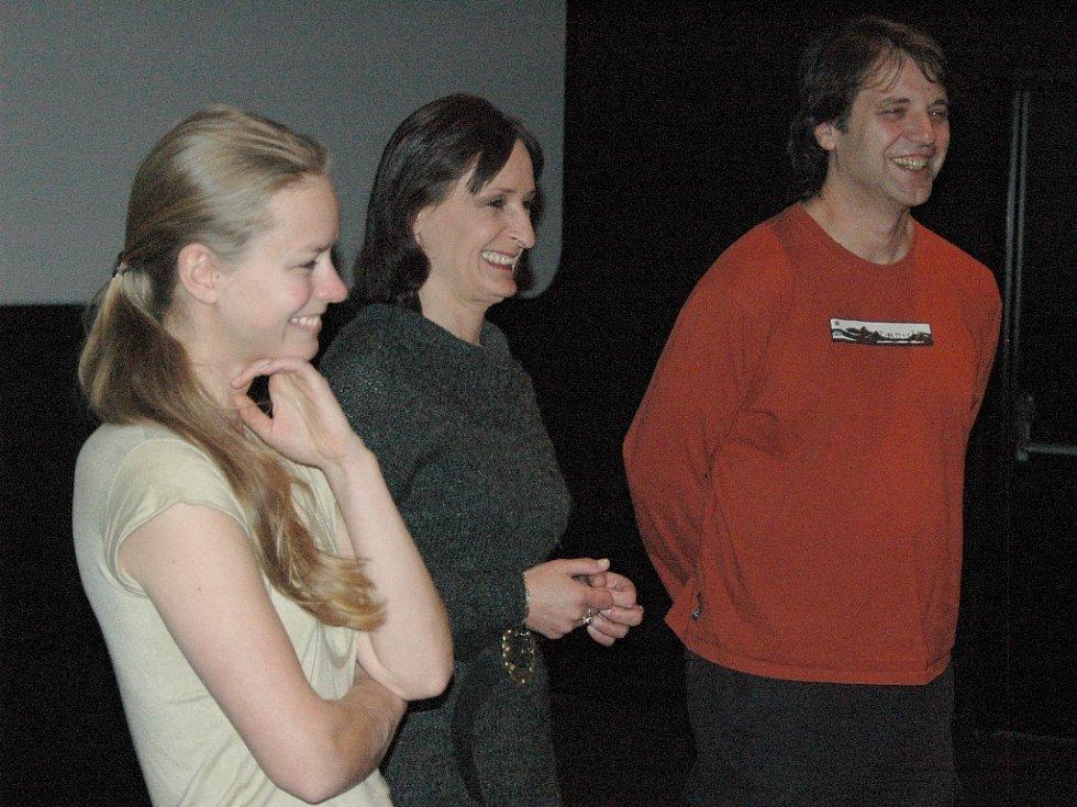 Režisér Michálek, Alice Šnirychová a Mariana Kroftová (zprava)