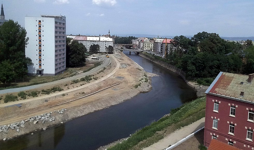 Stavba protipovodňových opatření na řece Moravě v centru Olomouce. 19. července 2019