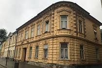 Ve Šternberku vyhlásili tzv. bezdoplatkové zóny na dvou místech s častými problémy: Olomouckou 18 a Bezručovu 9.