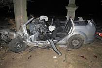 Následky tragické nehody mladé řidičky u Těšetic