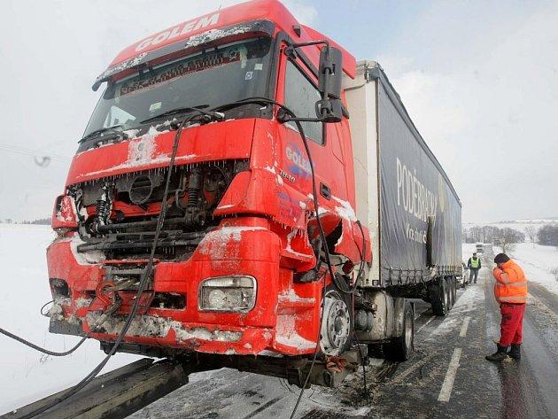 Nehoda kamionu za Moravským Berounem