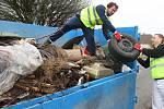 Kontejner v ulici umožňoval zbavit se jednoduše nechtěného odpadu, se kterým by se muselo do sběrného dvora. Ilustrační foto