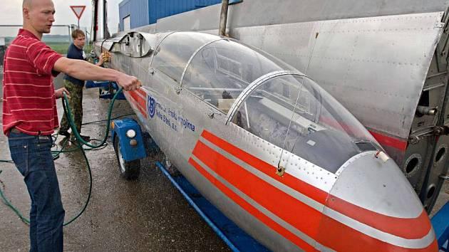 Experimetnální stroj L-13 TJ je novým exponátem Leteckého muezea v Olomouci
