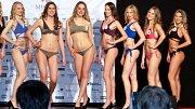 Krajské finále MissOK 2018 v olomouckém NH hotelu - vítězka Nelly Urbánková z olomouckého Gymnázia Čajkovského zcela vpravo