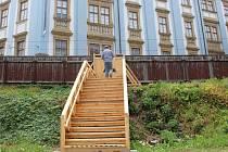 Proluka u Muzea umění v Olomouci nabídne koncerty, besedy a aktivity pro rodiny s dětmi. Návštěvníci budou vstupovat vchodem z Denisovy ulice, kde je vybudováno nové schodiště