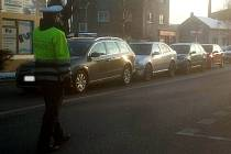 Hromadná srážka čtyř aut ve Chválkovické ulici v Olomouci