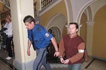 Obžalovaný lupič u soudu