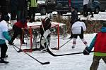 Hokejisté se na lašťanském rybníku utkali v prvním ročníku hokejových her Winter classic games.
