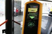 Terminál pro bezhotovostní platbu jízdného v brněnské MHD