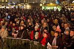 Česko zpívá koledy 2019 na Horním náměstí v Olomouci.
