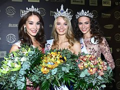 Slavnostní galavečer Česká Miss 2014 se konal v Karlínském divadle 29.března. Českou Miss 2014 se stala Gabriela Franková (uprostřed)