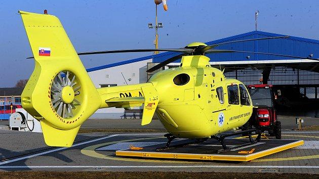 Nový vrtulník Eurocopter EC135T2 na olomoucké základně letecké záchranné služby