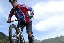 Přerovský biketrialista Pavel Procházka.
