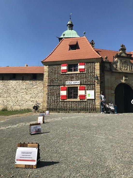 Areál hradu Bouzov otevřel už v polovině května, od 25.5. zpřístupní i vnitřní prostory