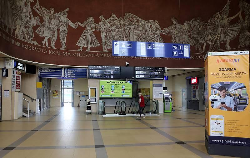 Hlavní  nádraží v Olomouci v čase nouzového stavu