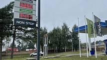 Jedna z benzinek na Olomoucku, kde šla v pátek 15. října 2021 pořídit nafta za méně než 33 Kč za litr a benzin pod 35 korun,