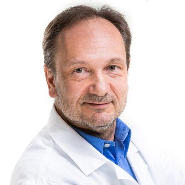 MUDr. Jiří Pumprla, vedoucí lékař Kliniky Švýcarská