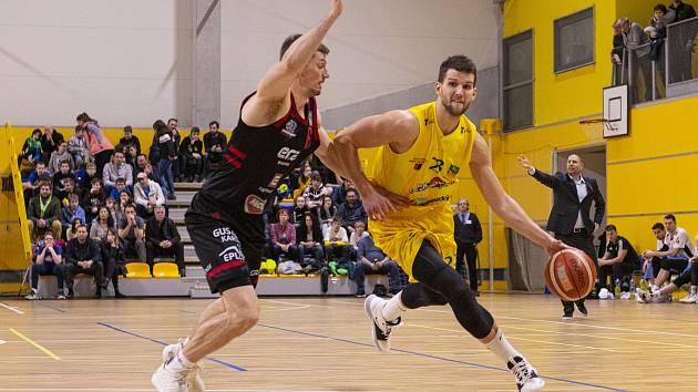 Lukáš Palyza (vpravo)