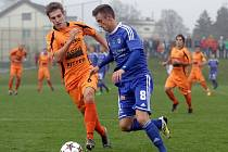 Fotbalisté Sigmy B (v modrém) proti Zábřehu
