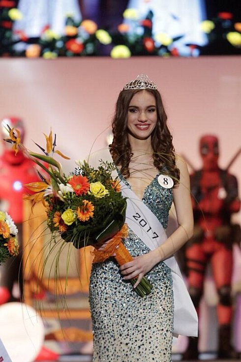 Vítězka středoškolské MissOK 2017 Lucie Henslová z Gymnázia Čajkovského