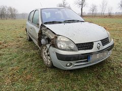 Nehoda mladé řidičky Renaultu Clio u Moravského Berouna