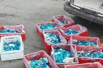 Státní veterinární správa (SVS) v posledních dnech na dvou místech na Moravě zachytila celkem 320 kilogramů problematického drůbežího a vepřového masa. V prvním případě veterinární inspektoři v Olomouckém kraji při společné kontrole na silnici  s celníky
