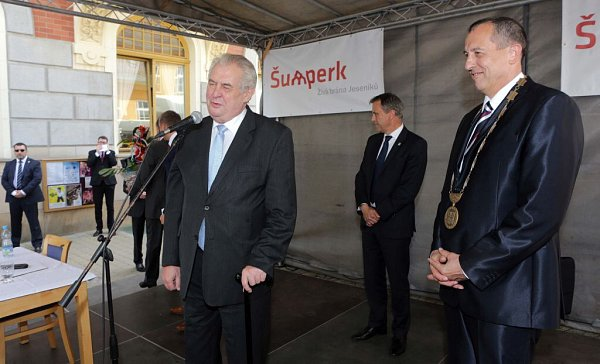 Prezident Zeman vŠumperku