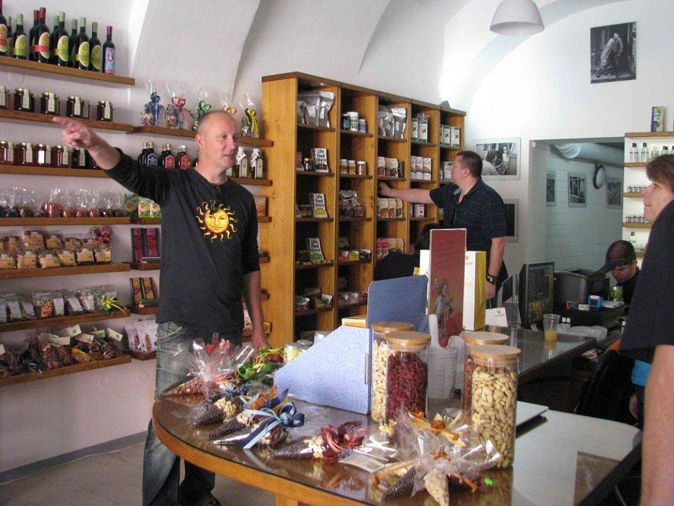 Otevření prodejny sociálního podniku Přirozenou cestou na Dolním náměstí v Olomouci