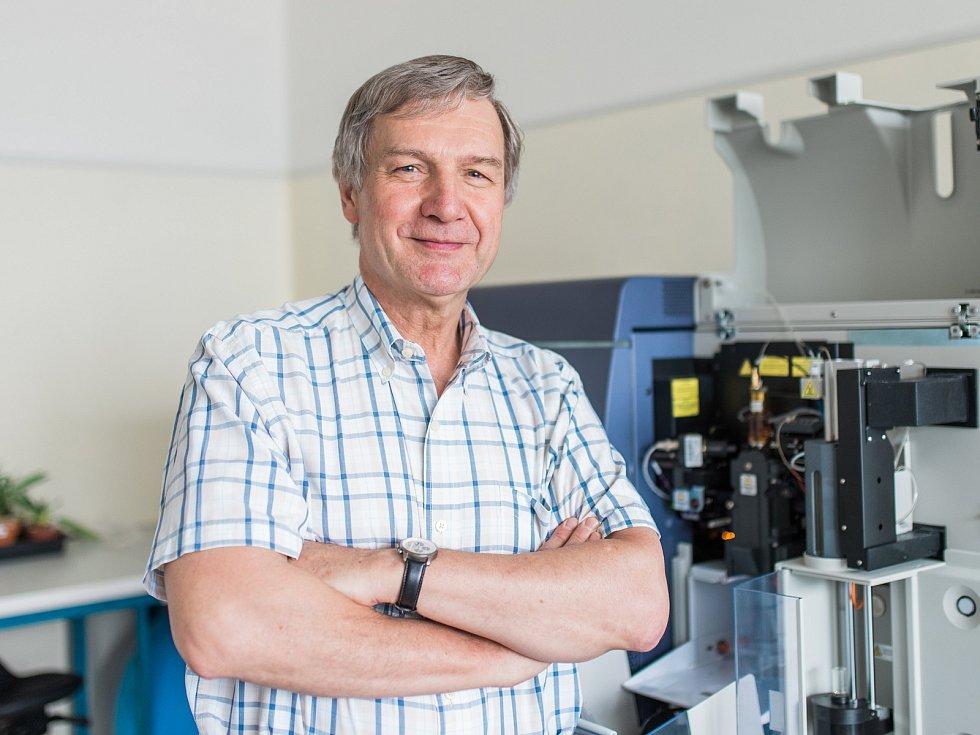 Olomoucký vědec Jaroslav Doležel