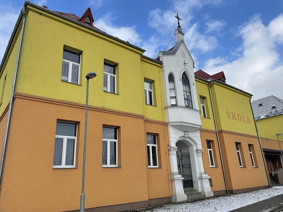 Dlouhá Loučka, základní škola, leden 2021