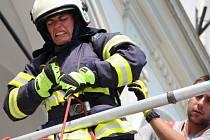 Hasiči se utkali v soutěži Nejtvrdší hasič přežije.