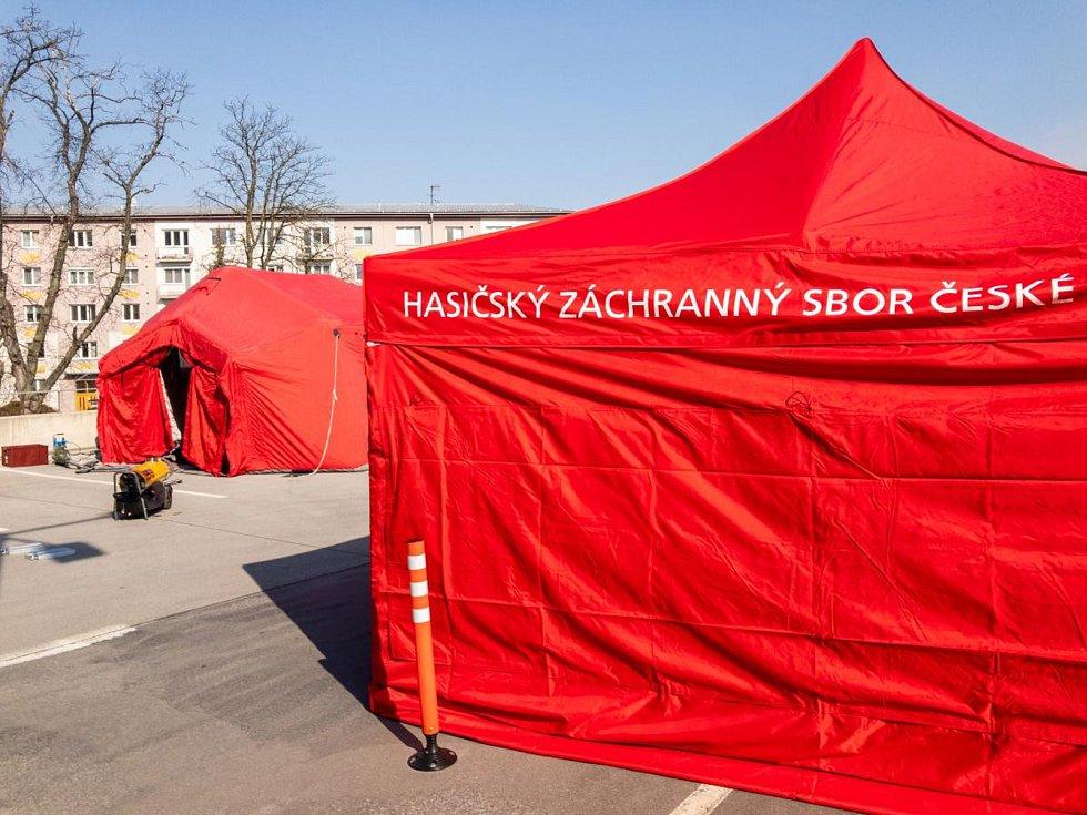 Vznikající odběrové místo na koronavir v Olomouci, 20. 3. 2020