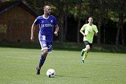 Olomoučtí fotbalisté (v modrém) odehráli dva přípravné zápasy ve Slatinicích proti OpavěTomáš Zahradníček