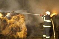 Požár seníku u Chomoutova