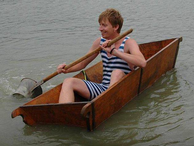 Neckiáda na rybníku v Sobáčově