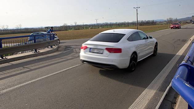Nebezpečná křižovatka na I/46 odbočka na Štarnov.