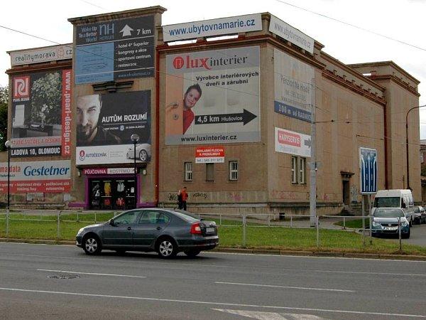 Bývalé divadlo vHodolanech