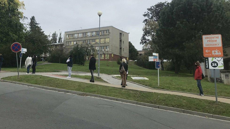 Odběrové místo ve  FN Olomouc, 9. října 2020