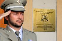 Pamětní desku odhalil Vojenský spolek rehabilitovaných AČR.
